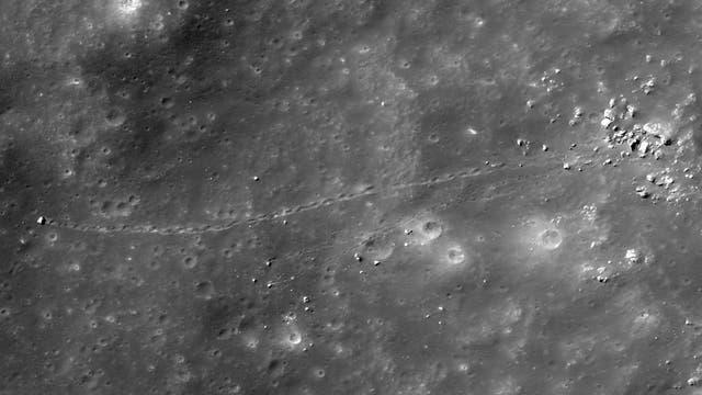 Schneise auf dem Mond