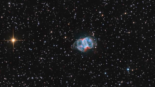 Planetarischer Nebel Messier 76