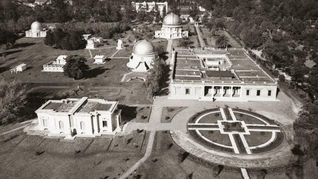 Historische Luftaufnahme des Observatoriums La Plata