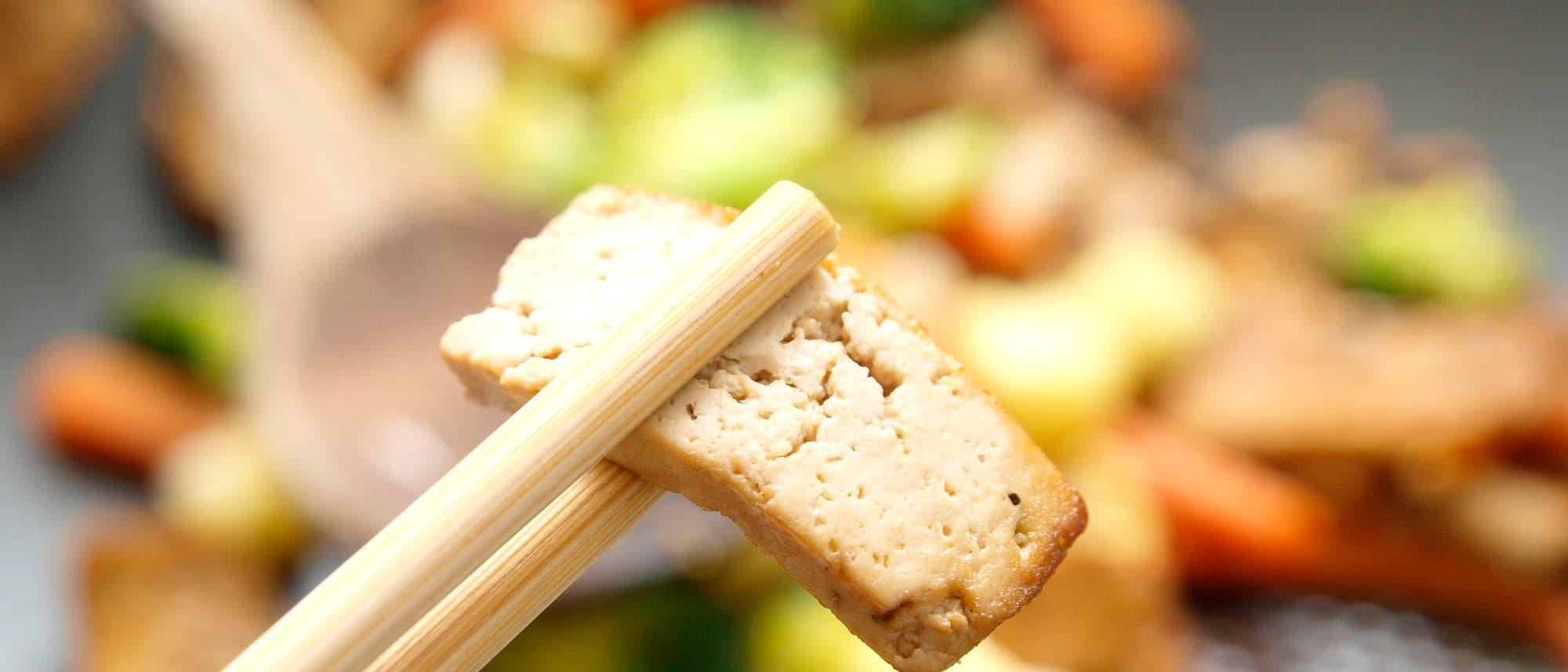 Vegane Ernährung muss nicht gesünder sein: Viele Fleisch-Ersatzprodukte schmecken nur dank Geschmacksverstärker.