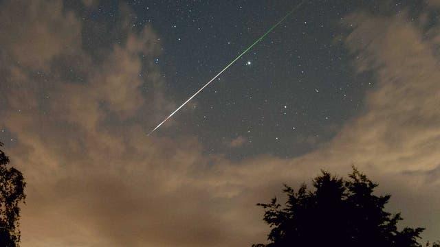 Heller Perseiden-Meteor 2013