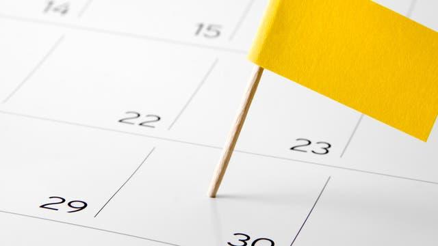 mit Fähnchen markierter Tag im Kalender