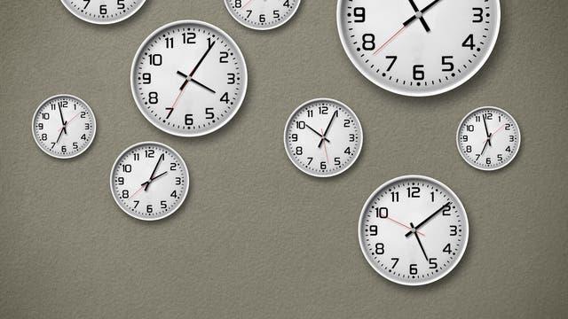 Uhren an der Wand