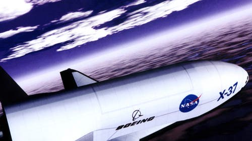 X-37 beim Landeanflug