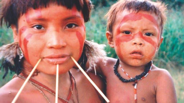 Yanomami Mutter und Kind