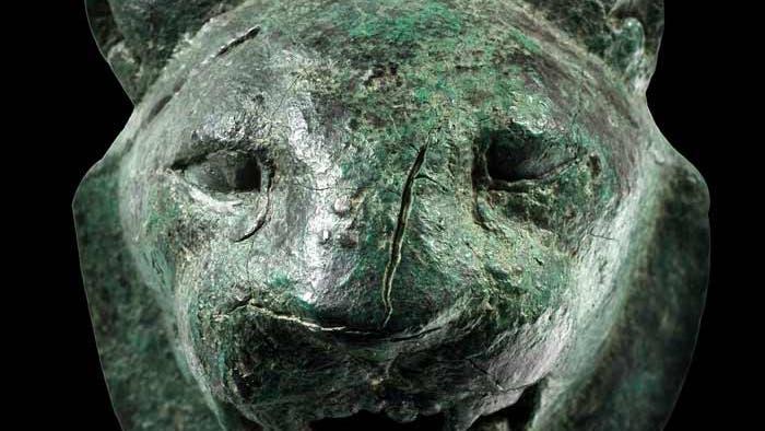 Bronzener Löwenkopf