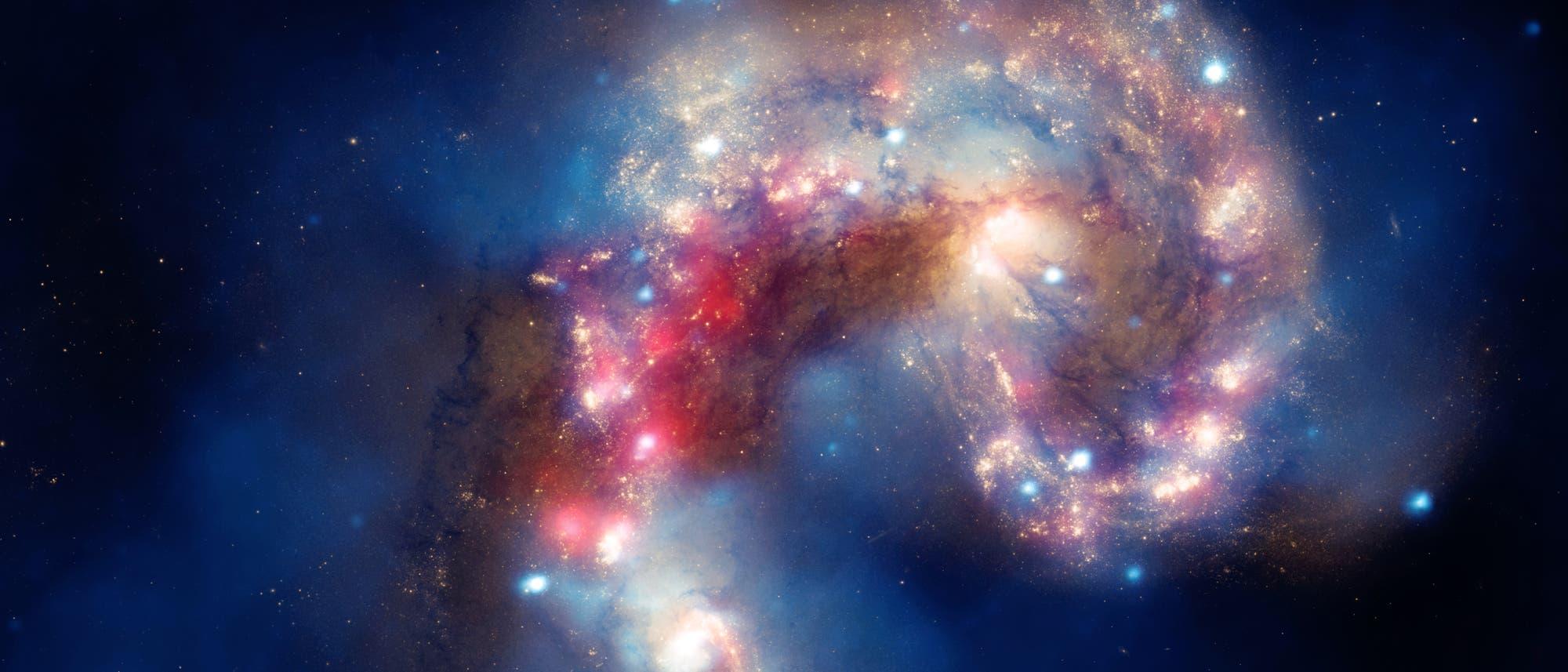 Die Antennen-Galaxien NGC 4038 (links) und NGC 4039 (rechts)