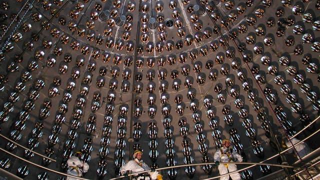 Im Inneren eines Neutrino-Detektors