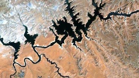 Lake Powell in der Wüste