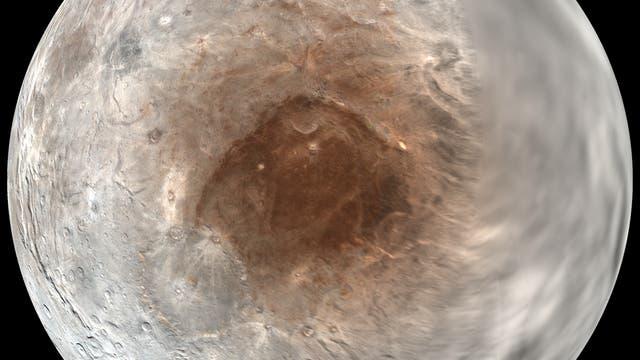 Übersichtsbild der Nordhemisphäre von Charon