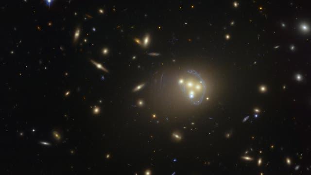 Galaxienhaufen Abell 3827