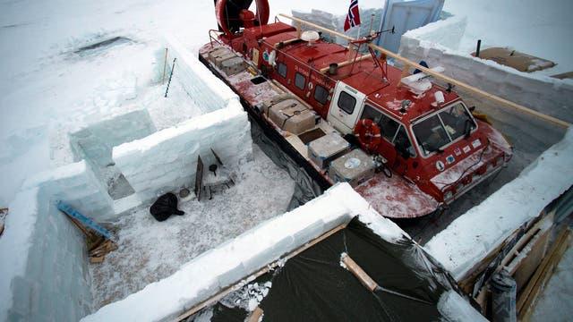 Hovercraft auf der Eisscholle
