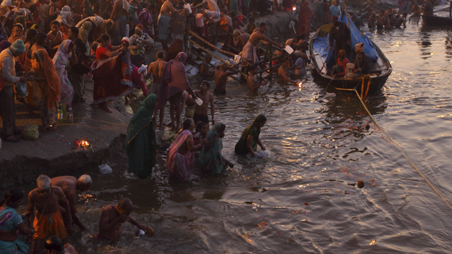 Waschungen im Ganges