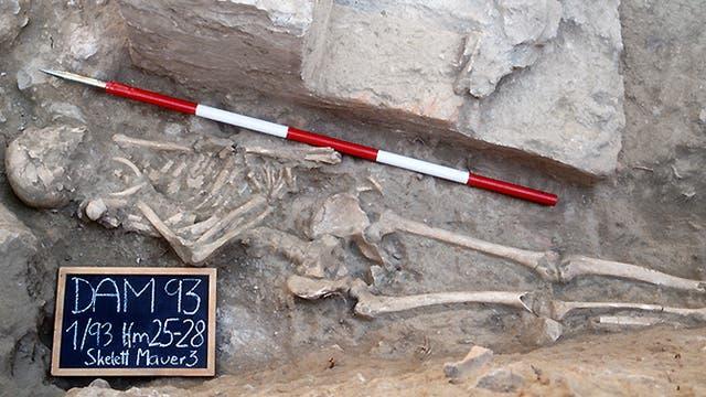 Gladiator (leicht skelettiert) aus Ephesos