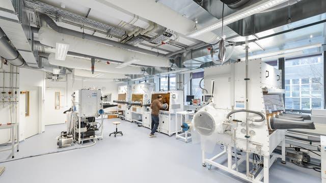 HySPRINT (Hybrid Silicon Perovskite Research, Integration & Novel Technologies)