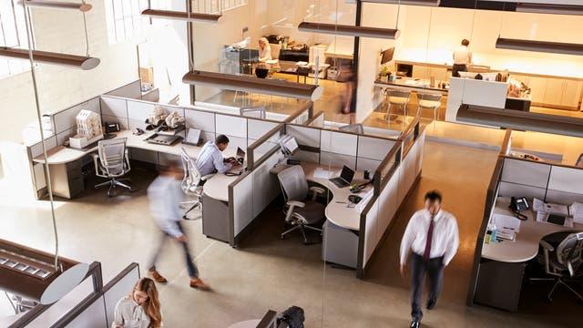 Arbeitnehmer im Büro