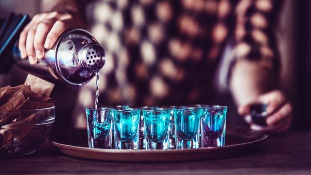 Alkoholausschank in einer Bar
