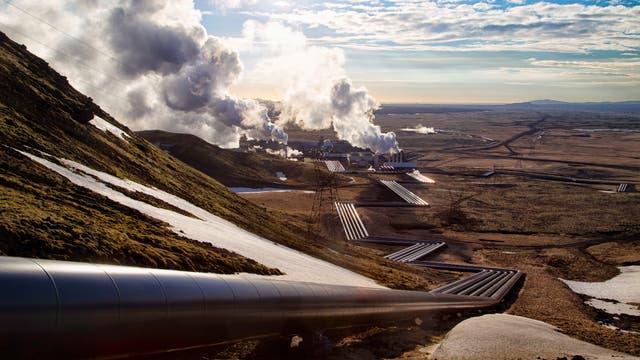 Blick auf das Hydrothermalkraftwerk Hellisheidi.