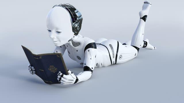 Ein Roboterkind liest in einem Buch
