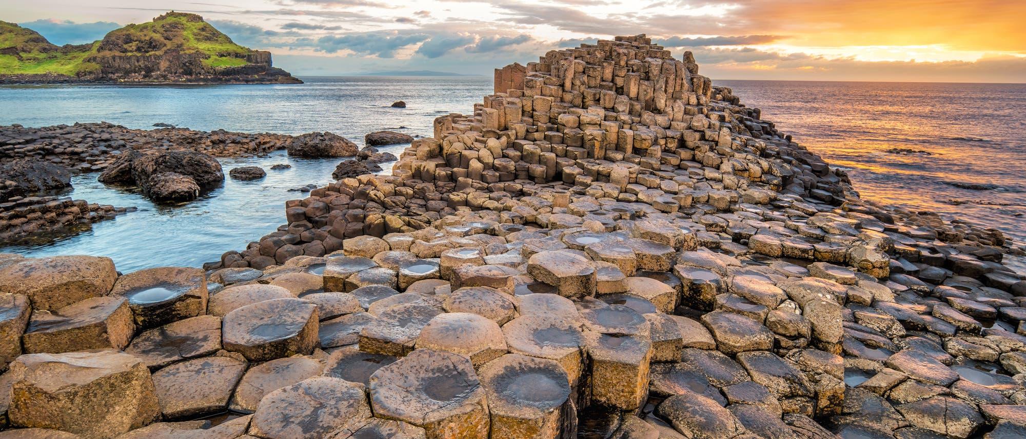 "Basalt-Gestein am ""Giant's Causeway"" in Nordirland"