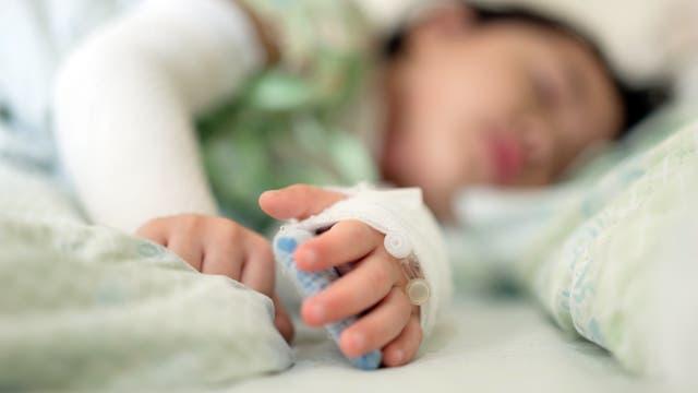 Erkranktes Kind in einer Klinik