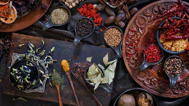 Indische Kräuter und Gewürze