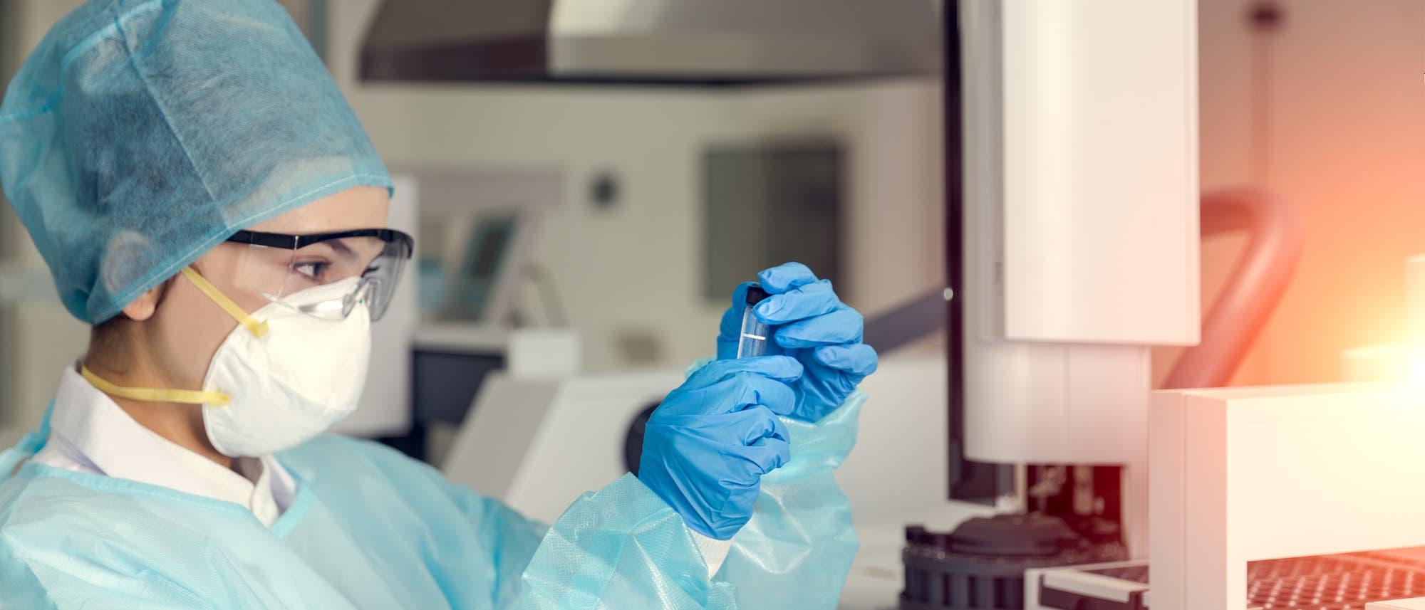 Noch finden vor allem Laborversuche mit dem Coronavirus statt.
