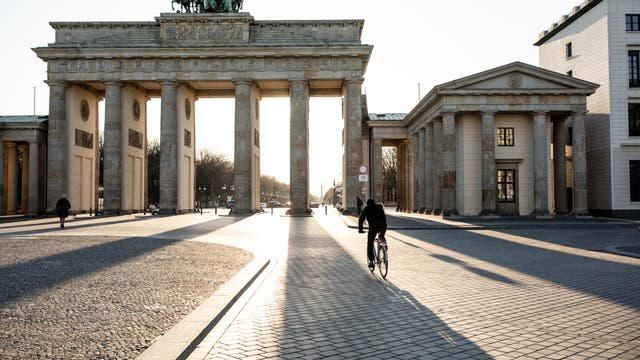 Leeres Brandenburger Tor während der Corona-Krise