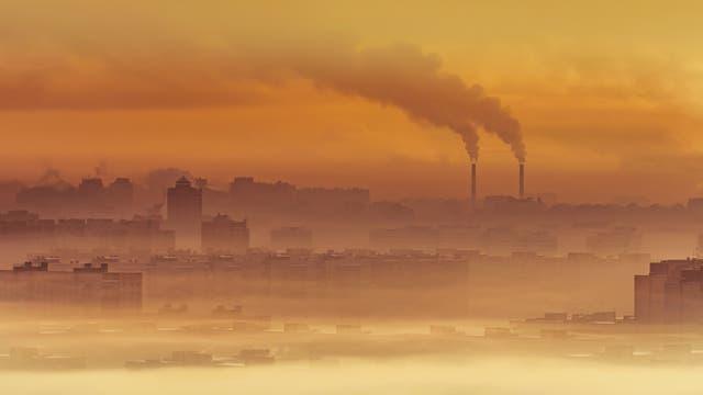 Um die Ziele des Pariser Klima-Abkommens zu erreichen, müssten die globalen Reduktionen bei mindestens ein bis zwei Gigatonnen pro Jahr einer Berechnung zufolge bis zum Ende des Jahrzehnts und darüber hinaus liegen.