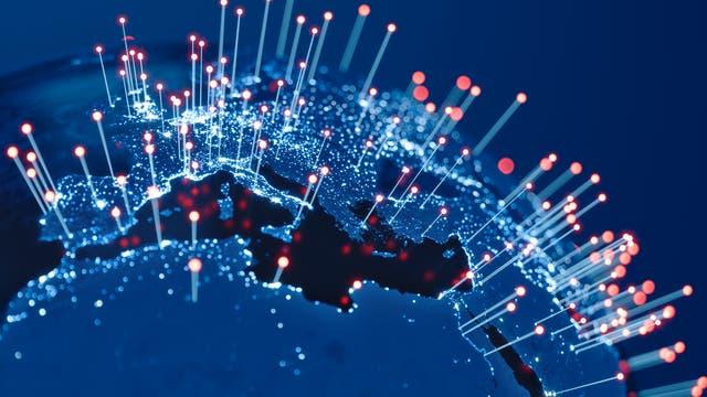 Europa Afrika mit Glasfaserkabeln