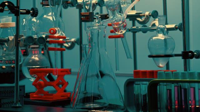 Laborgeräte - auch ihr Material kann manchmal wichtig sein