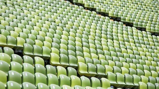 Menschen sollten Großveranstaltungen wie Fußballspiele meiden, um das Coronavirus nicht weiter zu verbreiten.