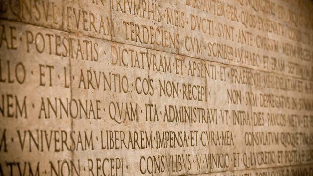 Lateinische Inschrift