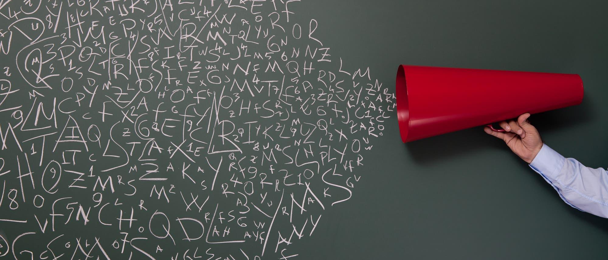 Megaphon mit Buchstaben