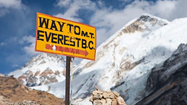 Zum Mt.-Everest-Basislager