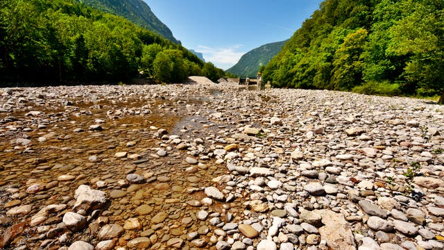 Trockengefallener Fluss.