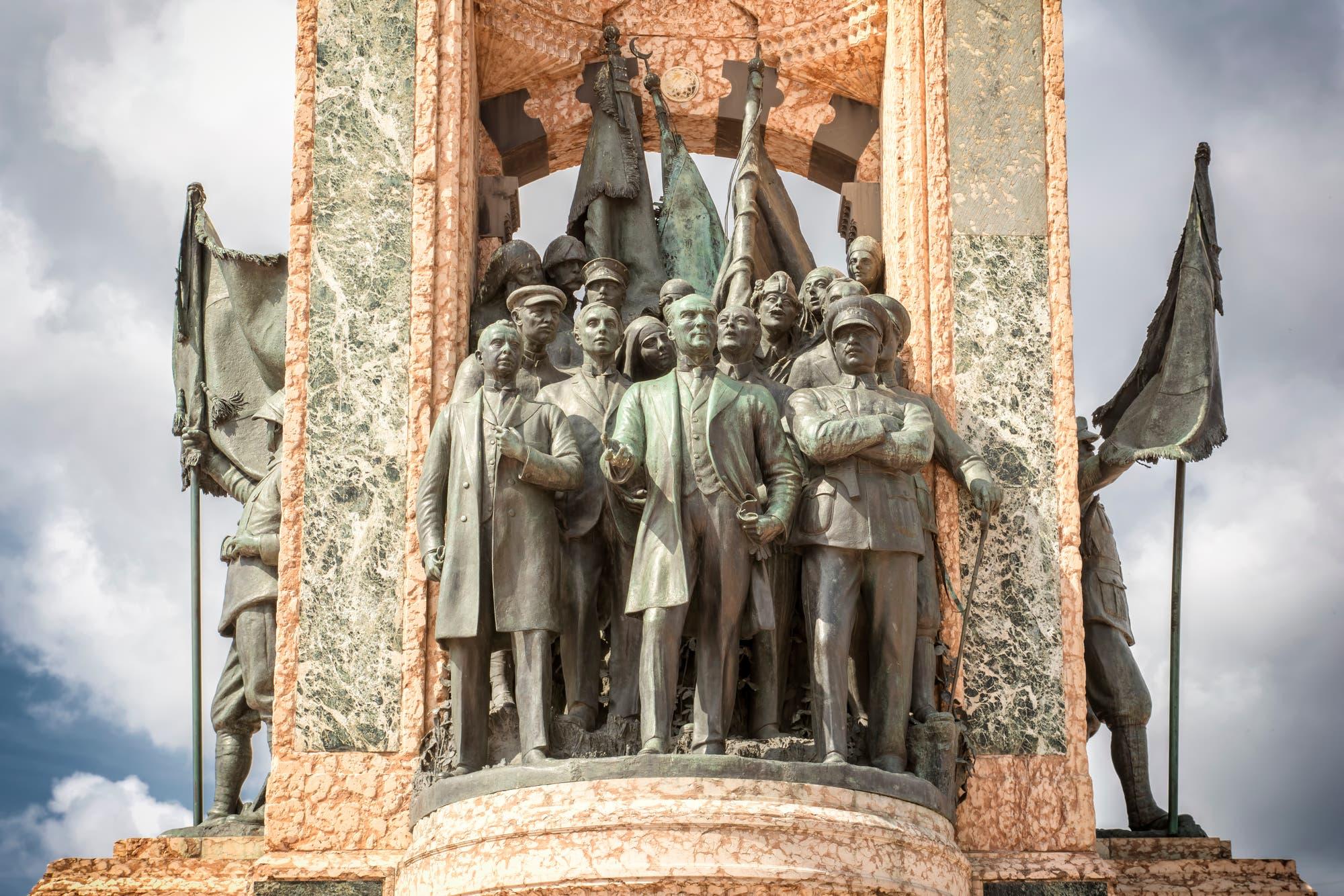 »Denkmal der Republik« auf dem Taksim in Istanbul