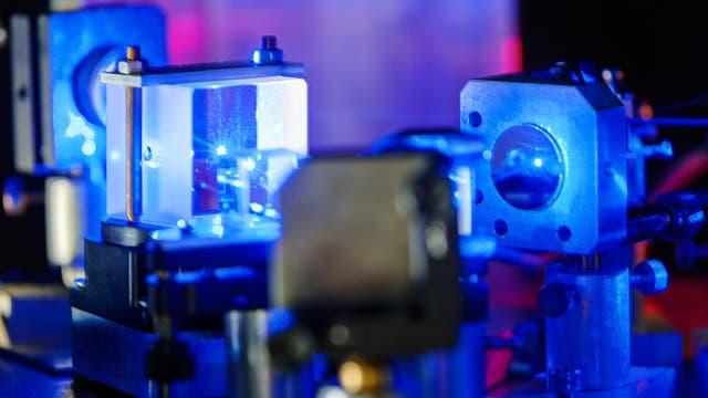 Laser in einem Labor für Laser (Symbolbild)