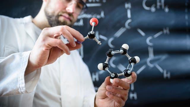 Moleküle bauen
