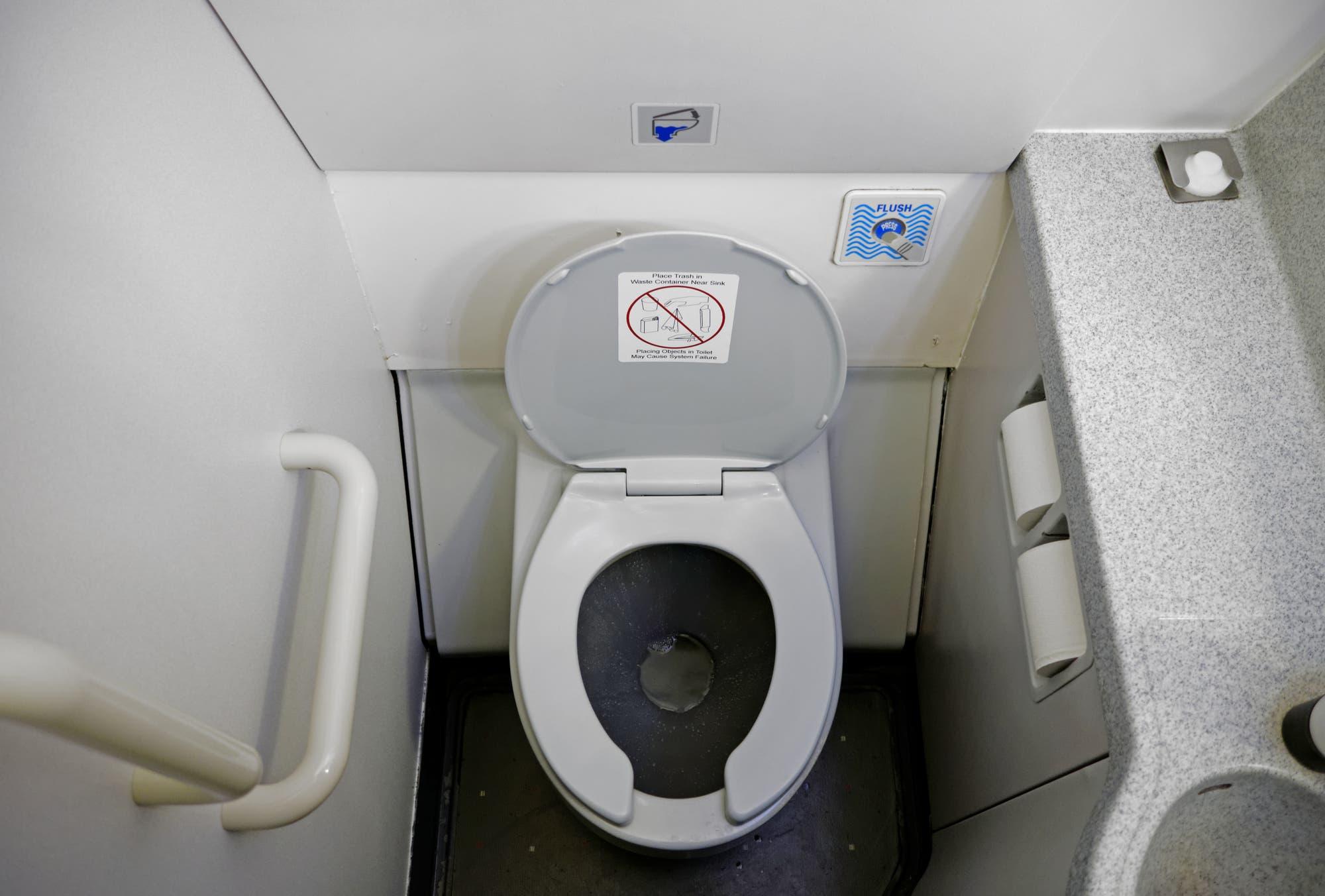 Flugzeugtoilette