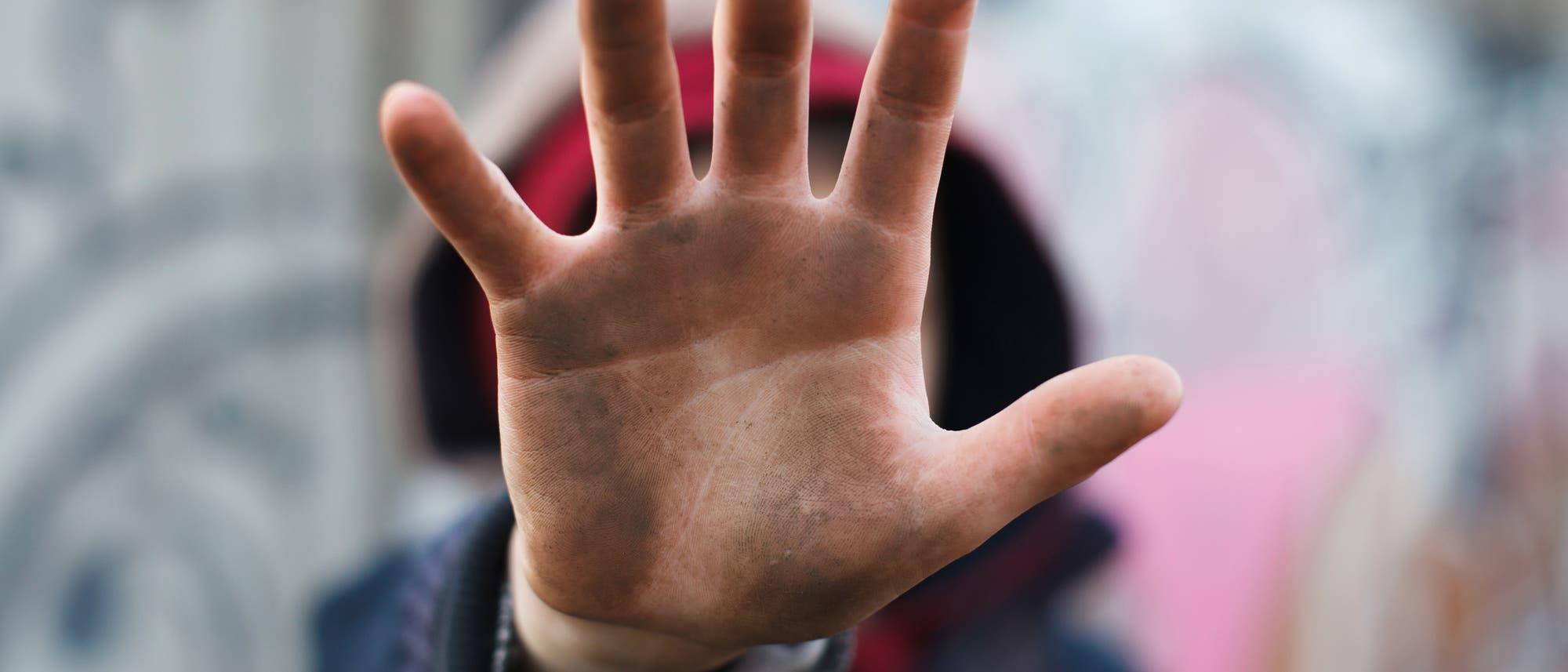 Hand eines Jungen