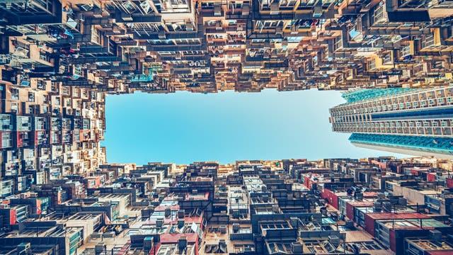 Häuserschlucht in Hong Kong