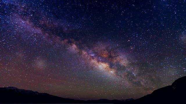 Die Milchstraße am Nachthimmel.