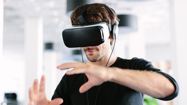 Handsteuerung in virtueller Realität