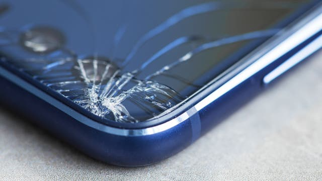 Zersprungenes Smartphone