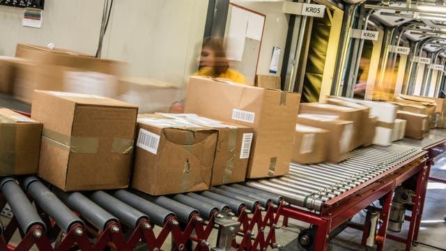 """Komplizierte Logistik - auch in Zellen werden """"Päckchen"""" beim Abschicken so gekennzeichnet, dass sie ihren Bestimmungsort finden"""