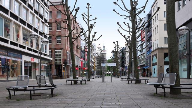 Die Königsstraße in Stuttgart menschenleer
