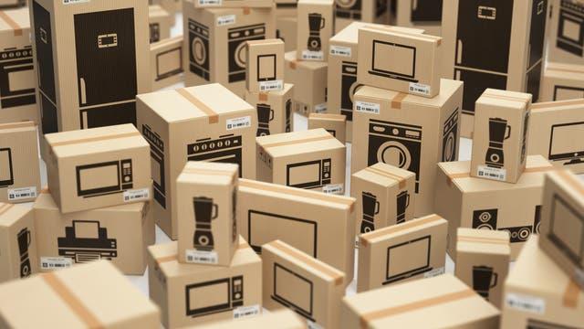 Ein Raum voller Pakete