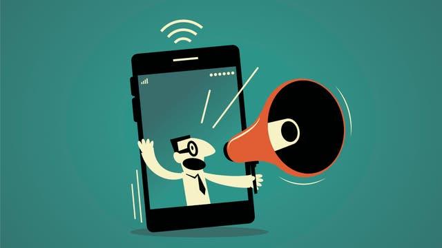 Ein Lautsprecher schallt aus einem Smartphone