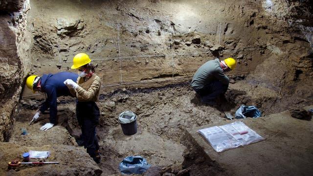 Ausgrabungen in der bulgarischen Bacho-Kiro-Höhle im Jahr 2021.